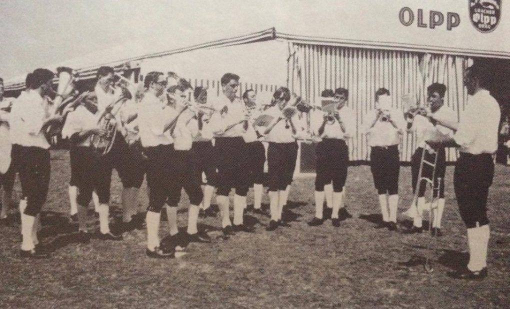 """Der Musikverein beim Sängerfest des Gesangverein """"Concordia"""" im Jahre 1969"""